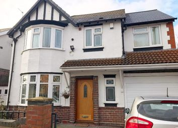 Thumbnail 6 bedroom detached house to rent in Roebuck Lane, West Bromwich, West Midlands