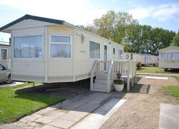 Thumbnail 2 bed mobile/park home for sale in Walton Avenue, Felixstowe