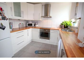 Thumbnail 3 bed flat to rent in Clapham Junction, London