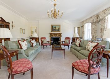 Thumbnail 4 bed flat to rent in Hyde Park Gate, Kensington