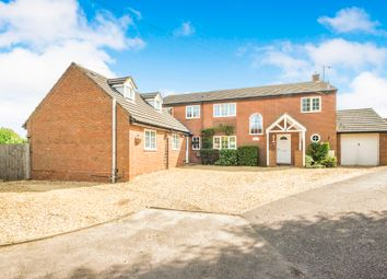Thumbnail 6 bed detached house for sale in Fildyke Close, Meppershall, Shefford