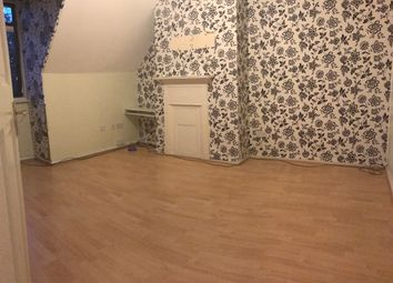 Thumbnail 4 bed flat to rent in Deansbrook Road, Edgware