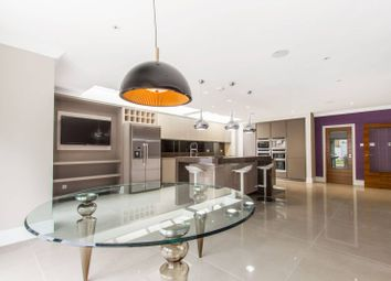 Thumbnail 6 bedroom detached house for sale in Broadgates Avenue, Hadley Wood