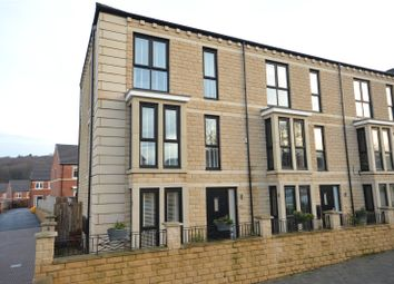 Dyehouse Court, Bradford, West Yorkshire BD10