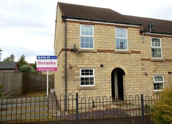 Thumbnail 3 bed town house to rent in Woodcross Avenue, Scunthorpe