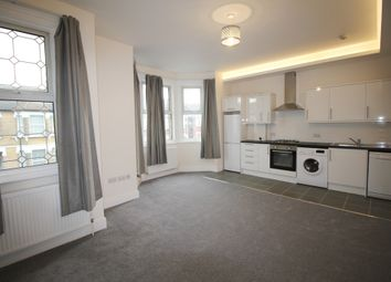 Thumbnail 1 bed flat to rent in Lincoln Road, East Finchley