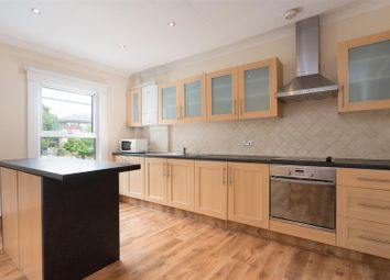 3 bed maisonette to rent in Herries Street, Queens Park Estate, London W10