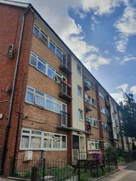 3 bed flat to rent in Robinson Road, London E2
