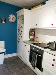 4 bed terraced house to rent in Victor Close, Hornchurch, Essex RM12