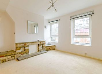 Thumbnail 3 bed flat to rent in Beechey House, Wapping