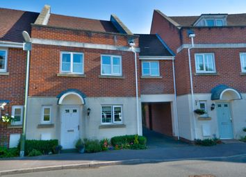 Spiro Close, Pulborough RH20. 3 bed terraced house for sale
