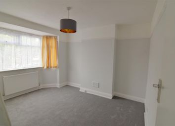 3 bed property to rent in Kynaston Avenue, Thornton Heath CR7