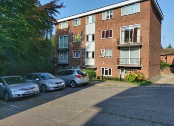 The Larches, Luton LU2. 2 bed flat
