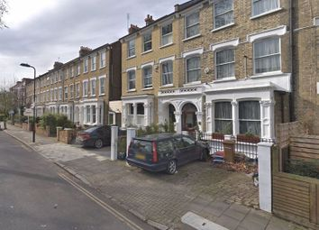 Thumbnail 4 bed terraced house for sale in Queen Elizabeths Walk, Clissold Park