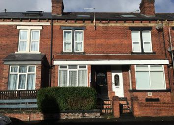 Thumbnail 1 bed flat to rent in Flat 1, Hares Mount, Leeds