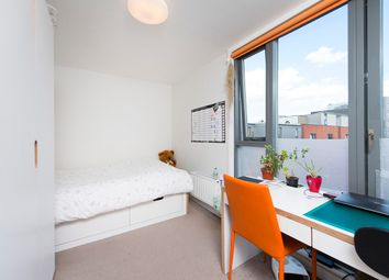 Room to rent in Mile End Road, Mile End E1