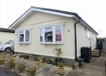 Thumbnail 2 bed mobile/park home for sale in Oaklands Park, Dorchester, Dorset