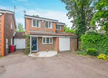 3 bed detached house for sale in Kinnaird Close, Slough SL1