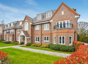 Thumbnail 2 bed flat for sale in Gregories Road, Beaconsfield