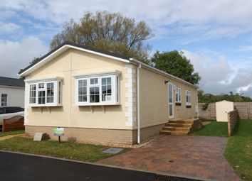 Lechlade, Faringdon Road GL7. 2 bed mobile/park home