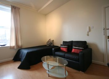Thumbnail 1 bed property to rent in Flat 5, 229 Hyde Park Road, Hyde Park