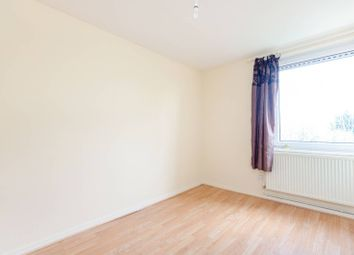 Thumbnail 2 bed flat to rent in Deacons Walk, Hampton