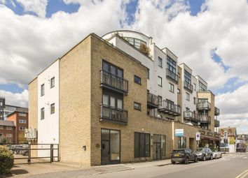 Thumbnail 2 bed flat for sale in Montague Road, London