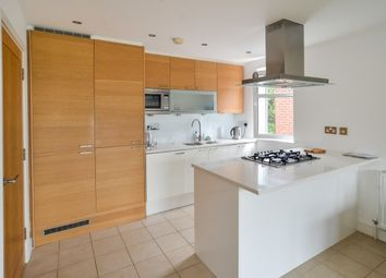 Thumbnail 2 bed flat to rent in The Avenue, Wanstead E112EE