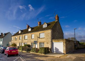 Thumbnail 4 bed cottage to rent in Woodgreen, Witney