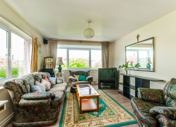 Thumbnail 2 bedroom flat for sale in Stuart Crescent, Bounds Green