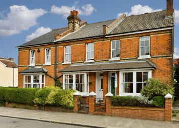 3 bed property for sale in Osborne Road, Redhill RH1