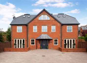 Thumbnail 2 bedroom flat for sale in Quebec Road, Henley-On-Thames, Oxfordshire