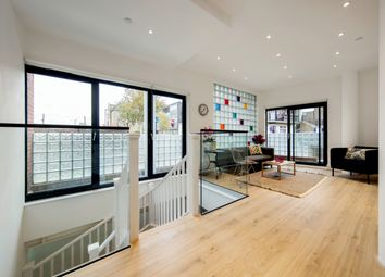 Thumbnail 1 bed flat for sale in Crescent Lane, London, London