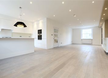 Thumbnail 3 bed flat to rent in Montagu Square, Marylebone, London