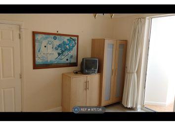 Room to rent in Parkside Gardens, London EN4