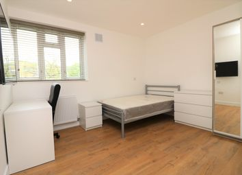 Thumbnail 5 bed shared accommodation to rent in Commercial Way, London