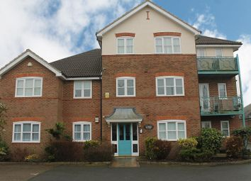 Thumbnail 2 bed flat to rent in Penn Road, Hazlemere, High Wycombe