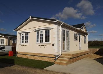 Thumbnail 2 bedroom mobile/park home for sale in Longstanton, Cambridgeshire, Uk