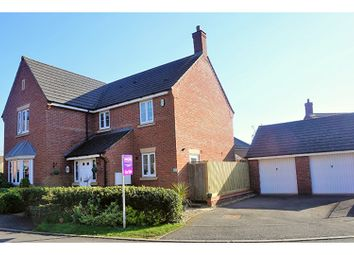 Thumbnail 5 bed detached house for sale in North Meadow View, Northampton