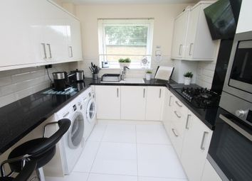 Thumbnail 2 bed flat to rent in Harleyford, Bromley