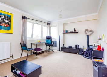 Thumbnail 3 bed flat to rent in Binfield Road, London