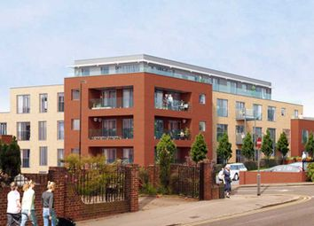 Thumbnail 1 bedroom flat for sale in Beulah Hill, London