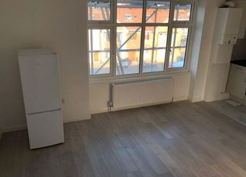 Thumbnail Studio to rent in Ewell Road, Tolworth