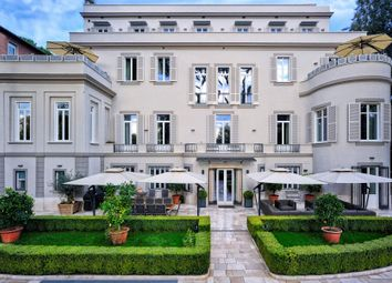 Thumbnail 8 bed town house for sale in Rome Rm, Italy