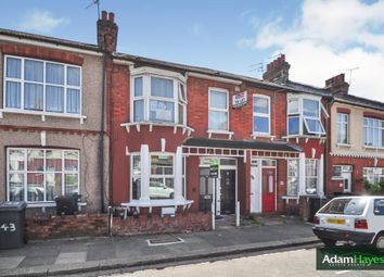 2 bed flat for sale in Grange Avenue, North Finchley N12