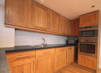 Thumbnail 3 bed flat to rent in Leigh Street, London