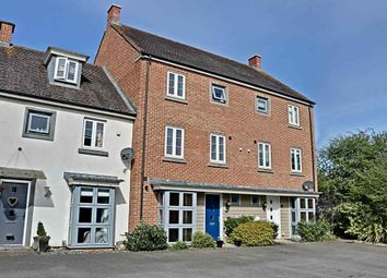 4 bed town house for sale in Penton Way, Basingstoke RG24