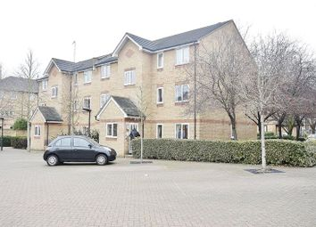 Thumbnail 1 bedroom flat to rent in Ringwood Gardens, London