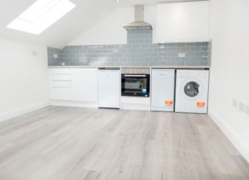 Thumbnail Flat to rent in West End Road, Mortimer Common, Reading