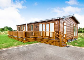 Thumbnail 4 bed mobile/park home for sale in Burgh Road, Skegness